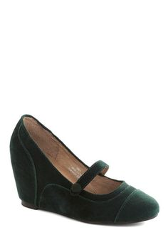 1940s Green Wedge Shoes for sale.