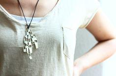 Scicche: cercare, scoprire, promuovere e vendere oggetti di design. Brass pendent. www.scicche.it
