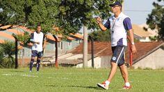 Clemer comanda treino do Glória (Foto: Guilherme Araujo / TXT Sports, G. E. Glória)