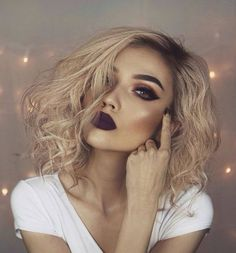 Pretty Dark Eye Makeup Dark Matte Lips Perfect Highlight Dramatic Makeup Look