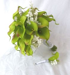Green Calla lily wedding bouquet simple elegant Real touch mini green calla lily and creme lilac bridal bouquet Hydrangea Bouquet Wedding, Calla Lily Wedding, Calla Lily Bouquet, Calla Lillies, Wedding Bouquets, Wedding Flowers, Green Wedding, Wedding Stuff, Wedding Ideas