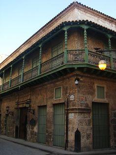 El Museo de la Cerámica Artistica Cubana se encuentra en la Casa Aguilera, un inmueble de carácter doméstico del siglo XVIII. En el se muestra la cerámica artística cubana desde el siglo XVII hasta hoy en día.