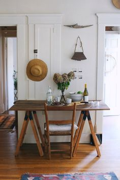 Rustic table setting or your dining room.
