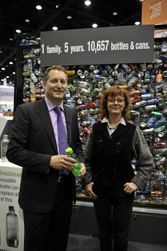 "SodaStream unveils a provocative eco-exhibit at the International Housewares Show in Chicago 2011. Representing the number of containers an average Chicago family would consume and discard over a five year period, ""The Cage"" contains over 10,000 empty bottles and cans in a 6x6x12-foot cage.    Academy Award-winning actress and environmentalist Susan Sarandon was on hand to open the exhibit."