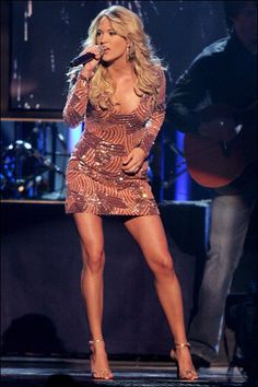 carrie-underwood is so beautiful and has the hottest legs ever