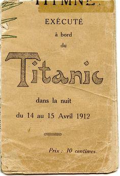 """Partition musicale de l'hymne """"Plus près de toi, mon Dieu"""" exécuté à bord du Titanic dans la nuit du 14 au 15 avril 1912 et éditée en 1912 au bénéfice de la Société Centrale de Sauvetage des Naufragés (Paris). En mémoire des artistes de l'orchestre ayant succombé à leur pupitre, c'est à dire à leur poste, en jouant l'hymne.  (Version pliée en poche)"""