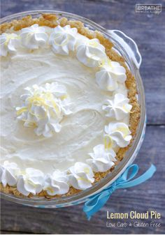 This easy lemon pie is perfect for any party or BBQ and keeps well in the fridge for days! Keto, Atkins and Gluten Free! Low Carb Deserts, Low Carb Sweets, Gluten Free Sweets, Gluten Free Baking, Gluten Free Recipes, Low Carb Recipes, Low Carb Lemon Pie Recipe, Easy Lemon Pie, Desserts Keto