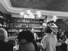 Photo: Karla-Therese Kjellvander #bnwphoto #bnwphotography #blackandwhitephotography #blackandwhitephoto #paris  #candidphotography #candidphoto