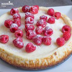 Cel mai bun cheesecake keto / Best keto cheesecake - Madeline's Cuisine Easter Pie, Keto Cheesecake, Empanadas, Fodmap, Smoothie, Raspberry, Berries, Food And Drink, Healthy Eating
