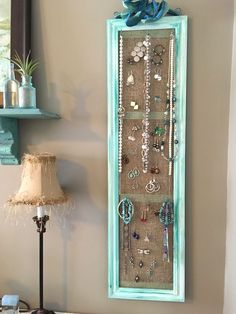 DIY Schmuck Organizer – DIY Jewelry Idea – - About jewelry organizer diy Jewellery Organizer Diy, Diy Jewelry Holder, Jewelry Hanger, Jewelry Stand, Jewellery Storage, Jewellery Display, Diy Earring Holder, Diy Necklace Holder, Ring Organizer