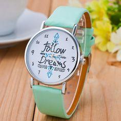 a38a409cec00 Aliexpress.com  Comprar Vansvar moda mujer seguir sus sueños de relojes  correa de cuero casual watch relojes de pulsera reloj mujer relogio  feminino 1651 de ...