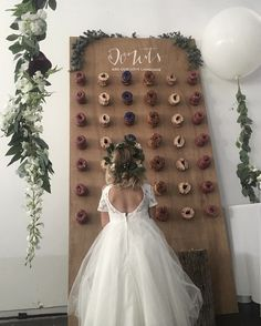 Can someone call me so we can do this at your wedding with Duck Donuts? #ijs