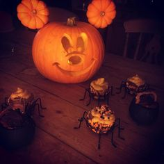 Love a Halloween pumpkin but short of ideas? Here are 24 cute and scary pumpkin carving ideas to try this Halloween. pumpkins 28 pumpkin carving ideas you need to master ahead of Halloween Awesome Pumpkin Carvings, Disney Pumpkin Carving, Scary Pumpkin Carving, Halloween Pumpkin Carving Stencils, Halloween Pumpkin Designs, Scary Halloween Pumpkins, Pumpkin Carving Patterns, Pumpkin Painting, Disney Pumpkin Stencils