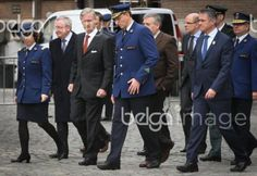 20151110 - BRUSSELS, BELGIUM: King Philippe - Filip of Belgium (CL) pictured during a visit to the DSU, Direction Specials Units, of the federal police, in Brussels, Tuesday 10 November 2015. BELGA PHOTO VIRGINIE LEFOUR