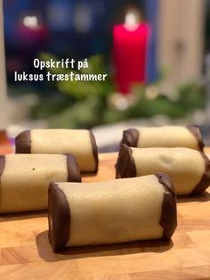 Træstammer-opskrift - luksus udgave Danish Cake, Danish Dessert, Peanut Butter Desserts, Cookie Desserts, Just Desserts, Danish Cuisine, Danish Food, Cake Recipes, Real Food Recipes