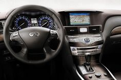 The quality interior of the Infiniti M. Breathtaking.