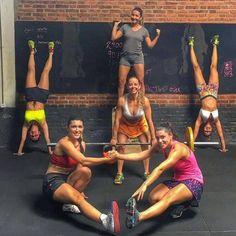 Pq treinar assim todo sofrimento fica divertido!!! #crossfitgirls #crossfit #crossfitwomen #crossfitmom #crossfitters #crossfitanapolis #pistol by nathyfleury http://ift.tt/20HfpTr