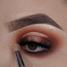 "Smokey Halo by History of eye makeup ""Eye care"", in other words, ""eye make-up"" Fall Eye Makeup, Black Eye Makeup, Dramatic Eye Makeup, Dramatic Eyes, Smokey Eye Makeup, Eyebrow Makeup, Eyeshadow Makeup, Winged Eyeliner, Makeup Inspo"