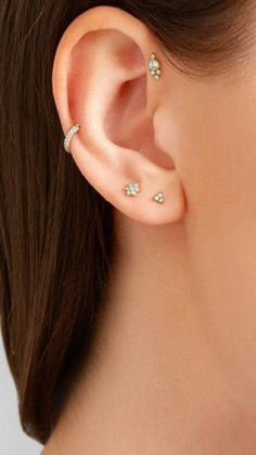Piercing is not only an item of bracelets! Striking a lifestyle plus philosophy… Piercing, which Ear Peircings, Cute Ear Piercings, Body Piercings, Cartalige Piercing, Gold Diamond Earrings, Diamond Studs, Stud Earrings, Diamond Jewellery, Heart Earrings