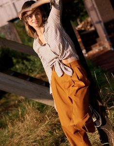 d45f1c7e madewell tie-front shirt worn with pleated wide-leg pants. Engagement Photo  Outfits