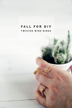 Rings Selber Machen DIY Twisted Rings - DIY Twisted Wire Ring tutorial on Fall For DIY. Make easy, quick and chic rings in minutes! Diy Arts And Crafts, Diy Craft Projects, Craft Ideas, Project Ideas, Cork Crafts, Design Projects, Decorating Ideas, Diy Rings Tutorial, Make Your Own Ring