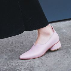 Hailey Baldwin millennial pink style is effortless cool | Chiko Shoes