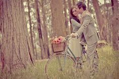 Resultados de la Búsqueda de imágenes de Google de http://images.polkadotbride.com/wp-content/uploads/2010/12/Australian-Vintage-Style-Engagement-Shoot0009.jpg