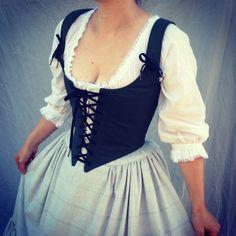 Renaissance Festival Costumes, Medieval Costume, Medieval Dress, Renaissance Corset, Hobbit Costume, Festival Skirts, Festival Wear, Costume Roi, Wench Costume