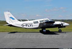 Piper PA-34-200 Seneca aircraft picture