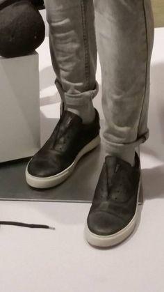 #Omberon display window Display Window, Chelsea Boots, Ankle, Fall, Shoes, Fashion, Autumn, Moda, Zapatos