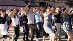 Üdvözlet Budapestről: rengeteg táncos lepte el a Vigadó teret Dance Sing, Fun Workouts, Fun Exercises, Summer Bucket Lists, Budapest, Singing, Youtube, Minden, Hungary