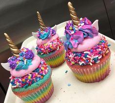 Chorizo cake fast and delicious - Clean Eating Snacks Cupcake Recipes, Baking Recipes, Cupcake Cakes, Dessert Recipes, Rainbow Cupcakes Recipe, Fun Desserts, Delicious Desserts, Yummy Food, Kreative Desserts