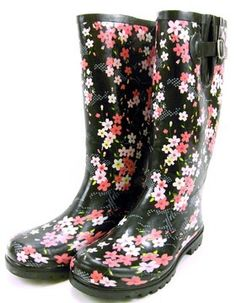 Nomad Puddles Black Tea Flower Women's Rubber Rainboots | www.nolaparent.com