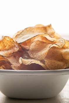 homemade potato chips, 2 ways - perfect for rainy afternoons Great Recipes, Snack Recipes, Cooking Recipes, Favorite Recipes, Chip Seasoning, Crispy Chips, Potato Chips, Food 52, Healthy Snacks