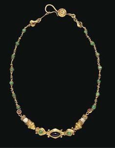 A greek gold, stone and glass necklace. Hellenistic period, ca. Byzantine Jewelry, Medieval Jewelry, Ancient Jewelry, Antique Jewelry, Vintage Jewelry, Viking Jewelry, Ethnic Jewelry, Modern Jewelry, Jewelry Art