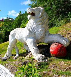 This magnificent lion statue at Gun Hill, #Barbados was carved from a single piece of stone in 1868 by a soldier based at the nearby Signal Station!