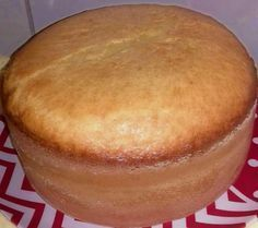 Pão de Ló Amanteigado 6 ovos; 2 xícaras (chá)(200ml) de açúcar; 3 xícaras (chá)de farinha de trigo; 1 xícara (chá)de leite; 2 colheres sopa) de margar... - Ro Oliveira - Google+ Food T, Good Food, Food And Drink, Yummy Food, Other Recipes, Sweet Recipes, Cake Recipes, Brazillian Food, Baker Cake