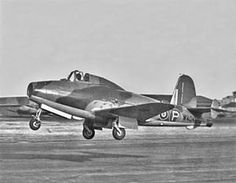 Gloster Meteor >>> FIRST operational jet-fighter of Military Helicopter, Military Jets, Military Aircraft, Gloster Meteor, Motor Jet, Drones, Addis Ababa, Experimental Aircraft, Triomphe