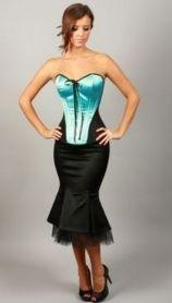 Rochiile cu corset sunt unele dintre cele mai apreciate atunci cand vine vorba de exprimarea feminitatii fiecareia dintre noi.Inca din perioada printilor si printeselor, corestul a insemnat feminit...