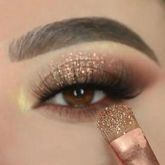 Gold And Brown Eye Makeup, Glitter Eye Makeup, Pink Makeup, Smoke Eye Makeup, Eye Makeup Steps, Eye Makeup Art, Makeup Tutorial Eyeliner, No Eyeliner Makeup, Makeup Tutorials