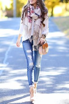 outfit fashion ripped jeans style