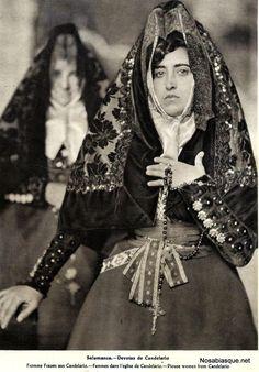 Traditional Spanish folk costume, from Salamanca Israel Hands - Spanish influence Christian Lacroix, Folklore, Folk Costume, Costumes, Spanish Costume, Valladolid, Anthropologie, Evolution Of Fashion, Ethnic Fashion