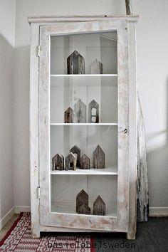 armoire +petites maisons!!