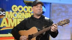 Garth Brooks visited GMA this morning to perform Mom off his new album Man Against Machine. Watch the video of the performance on Country Music #CMchat.