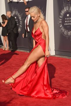 Attention, Angelina Jolie! Rita Ora is about to take away your 2012 Oscars moment with this slit at the MTV VMAs.