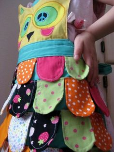 Child's owl apron, cute idea.  No instructions, pinspiration only.