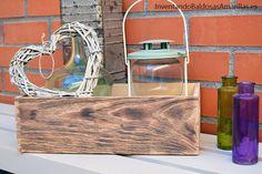 Quemar madera para sacar la veta a la vista Decoupage, Tray, Home Decor, Wooden Sewing Box, Sewing Caddy, Atelier, Dibujo, Burnt Wood, Refurbished Furniture