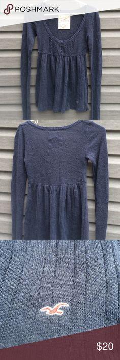 Hollister sweater Dark grey Hollister sweater, in great condition very soft & warm Hollister Sweaters Crew & Scoop Necks