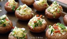 Easy to make Gouda and bacon stuffed-mushrooms. Clearly these are all of the good things in life stuffed into one bitty little mushroom cap. I Love Food, Good Food, Yummy Food, No Cook Appetizers, Appetizer Recipes, Gouda, Tapas, Great Recipes, Favorite Recipes