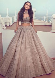 Latest Collection of Lehenga Choli Designs in the gallery. Lehenga Designs from India's Top Online Shopping Sites. Indian Bridal Outfits, Indian Designer Outfits, Indian Designers, Indian Attire, Indian Ethnic Wear, Indian Gowns Dresses, Bridal Dresses, Dress Wedding, Wedding Sarees